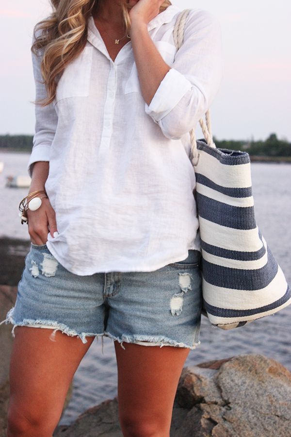 summer-weekend-cutoffs-shorts-cover-up-beach-lake-striped-beach-bag-via-stylecusp.com